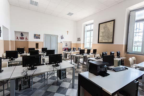 Aula informatica - Scuola secondaria primo grado Calasanzio