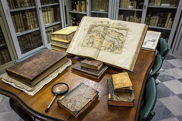 Biblioteca libri antichi Calasanzio Genova